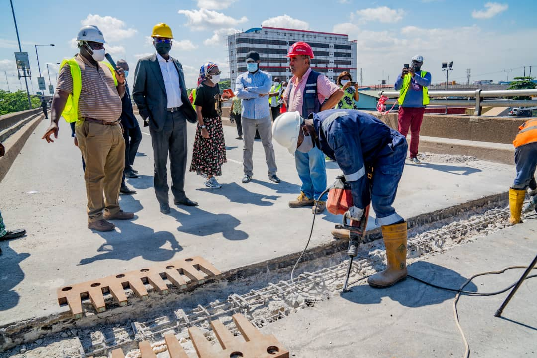 In Pictures, Fashola Inspects Ongoing Phase 2 Emergency Repairs Of Eko Bridge