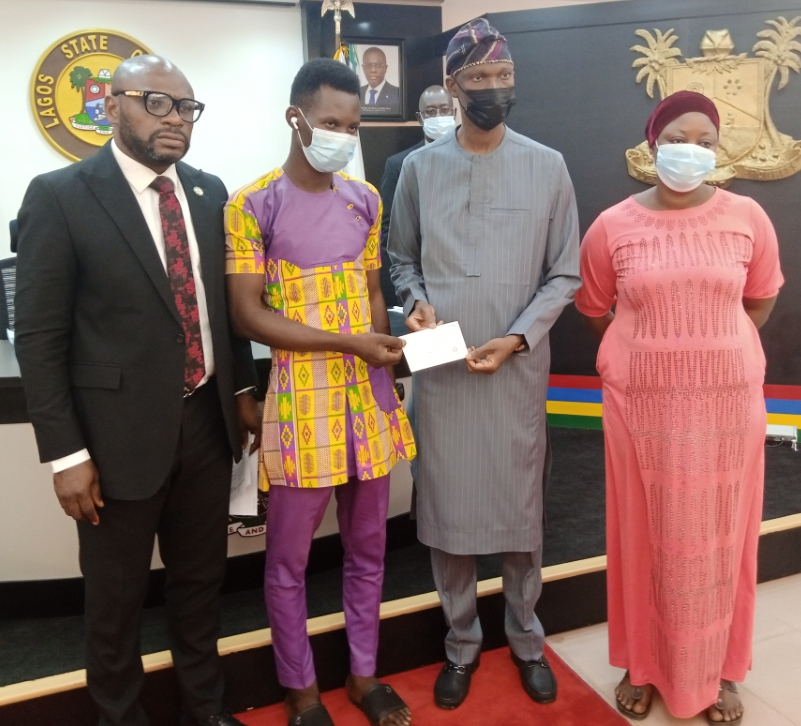Sanwo-Olu Compensates Families Of Deceased Security Personnel With N30m