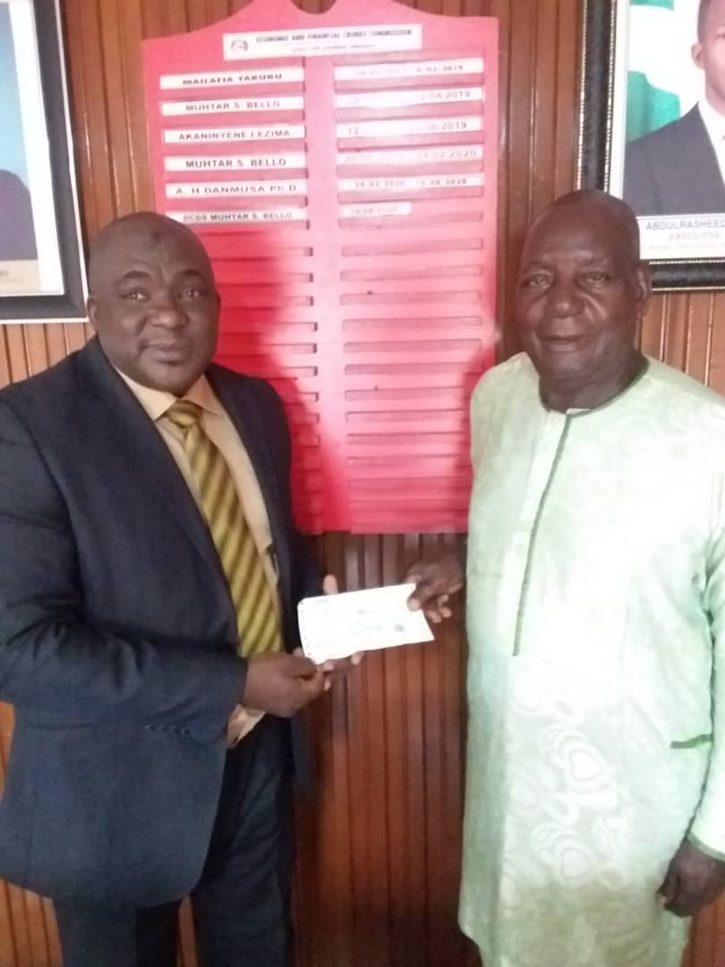 EFCC Returns Recovered N244, 000 to Octogenarian Victim Of Fraud In Benin