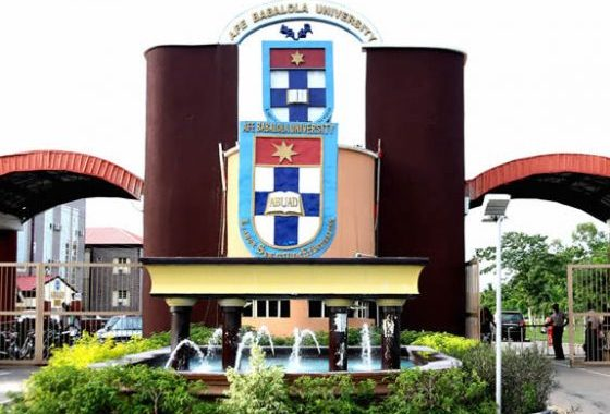 You Admit 400 Medical Students Knowing Only 100 Will Graduate, Aggrieved Parents Accuse ABUAD; Protest High Tuition Hike