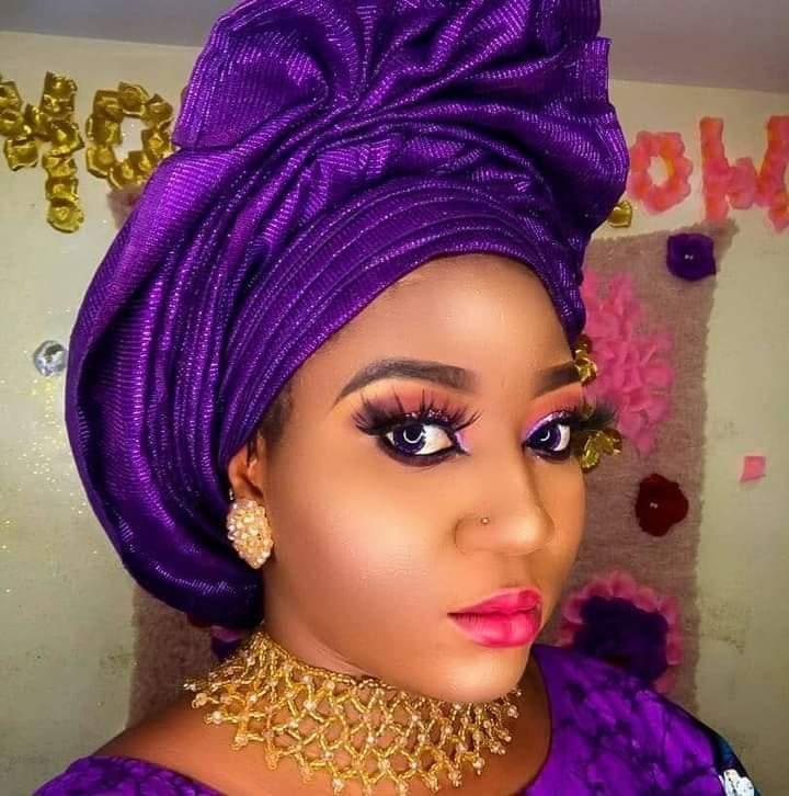 Pay Your Children's School Fees, Stop Living Fake Life, Babymama Drags Singer Lanre Teriba Atorise On Social Media