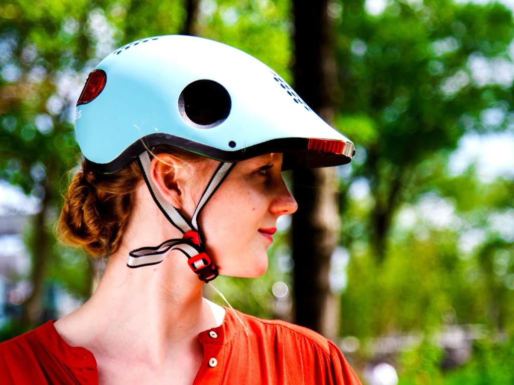 Classon connected helmet