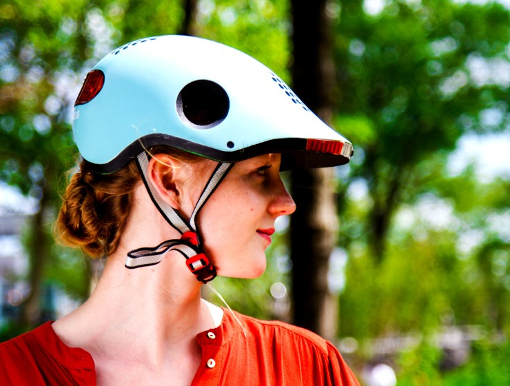 Classon connected helmet