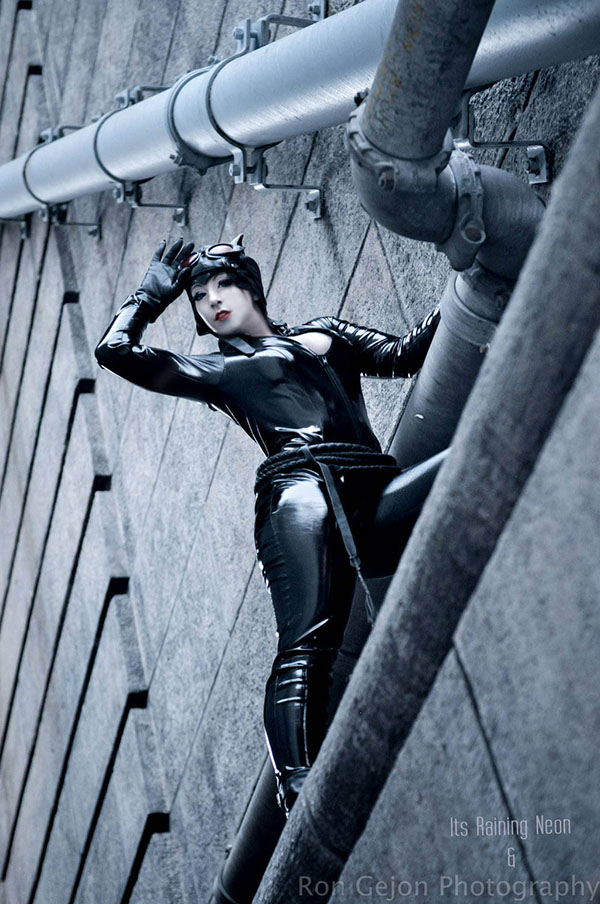 'Catwoman on the ledge' cosplayed by It's Raining Neon