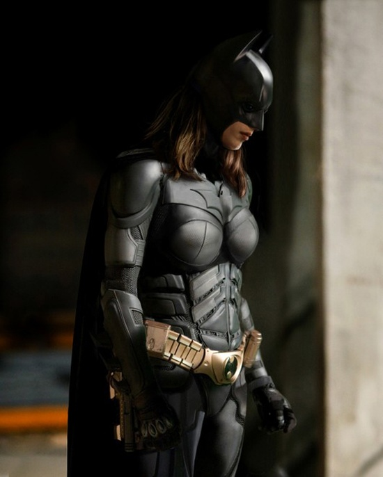 Rule 63 Batman cosplay