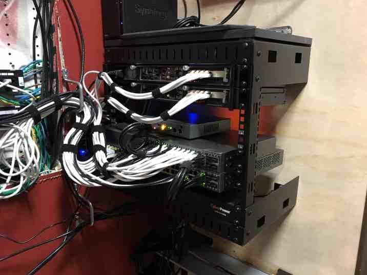 Venting a Server Closet 0003