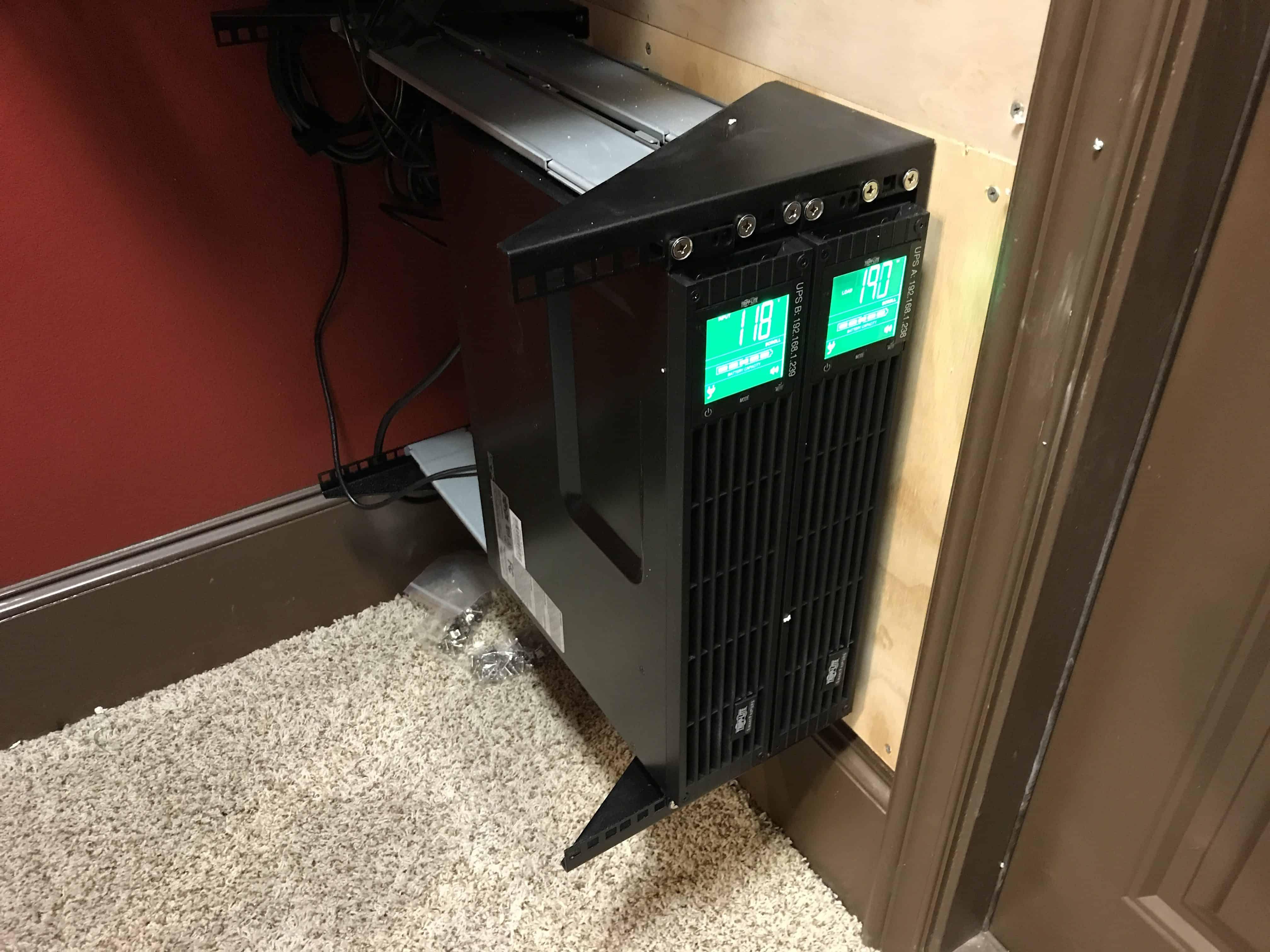 Venting A Server Closet 0005
