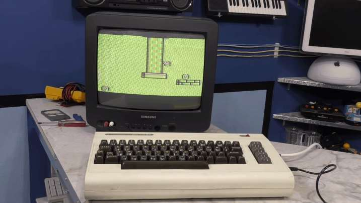 Commodore VIC-20 Restoration - Worst Condition Ever 0033 - working VIC-20
