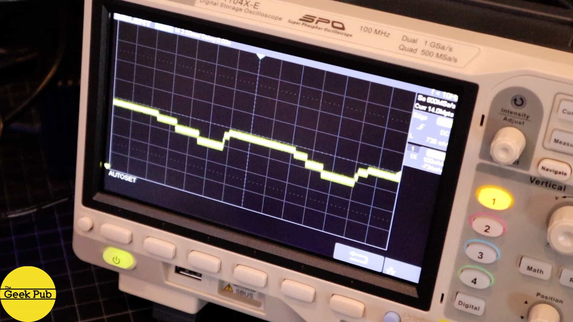 Oscilloscope Tutorial (Learn the Basics) - The Geek Pub