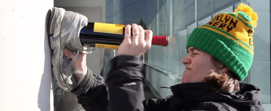 Use the wall to Open a Wine Bottle without a Corkscrew