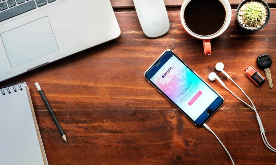 How to delete all songs at once from iPhone