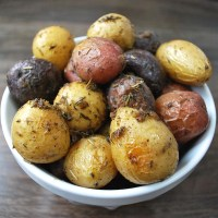 Roasted Baby Potatoes with Rosemary and Thyme