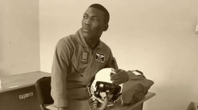 Flt. Lt Taiwo Olufemi Asaniyi about to wed