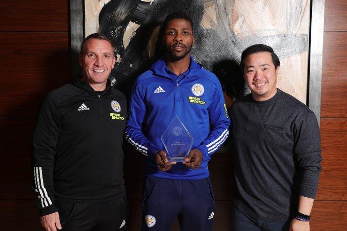 PHOTO: Kelechi Iheanacho Wins Lecicester Goal Of The Season Award