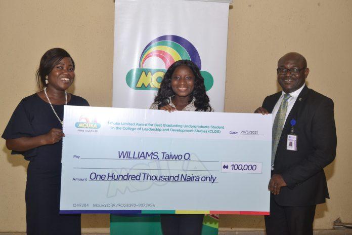Mouka Rewards Best Graduating Students Of Covenant University [PHOTOS]