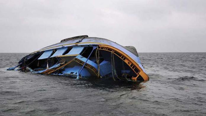BREAKING: Amid Heavy Downpour, Boat Carrying 5 Passengers Capsize In Lagos