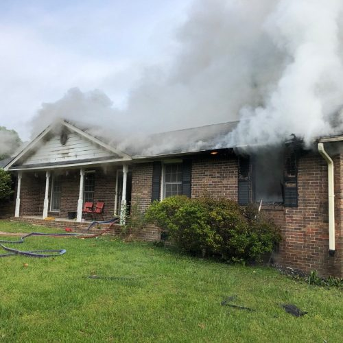Family of eight displaced after Snellville House Fire