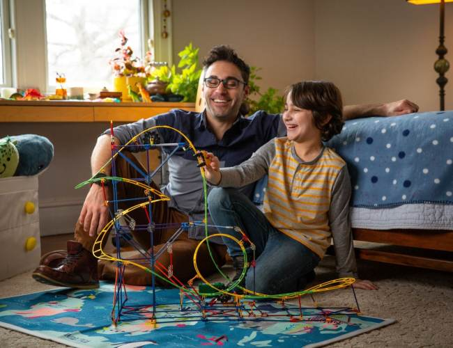 Here's why dads should be more involved in playing with the kids