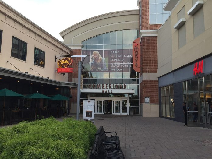 Shots fired at Cumberland Mall during peak holiday shopping time