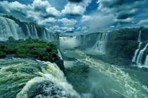 Iguaçu Şelaleri