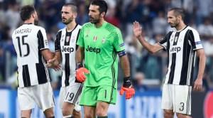Buffon, il capitano della Juventus e i suoi compagni della BBC