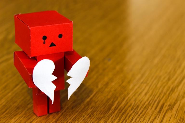 Meglio soffrire che mettere in un ripostiglio il cuore