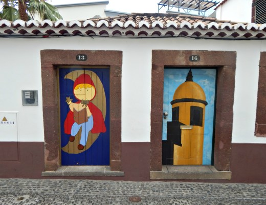 the painted streets of rua de santa maria The Girl on the move blog