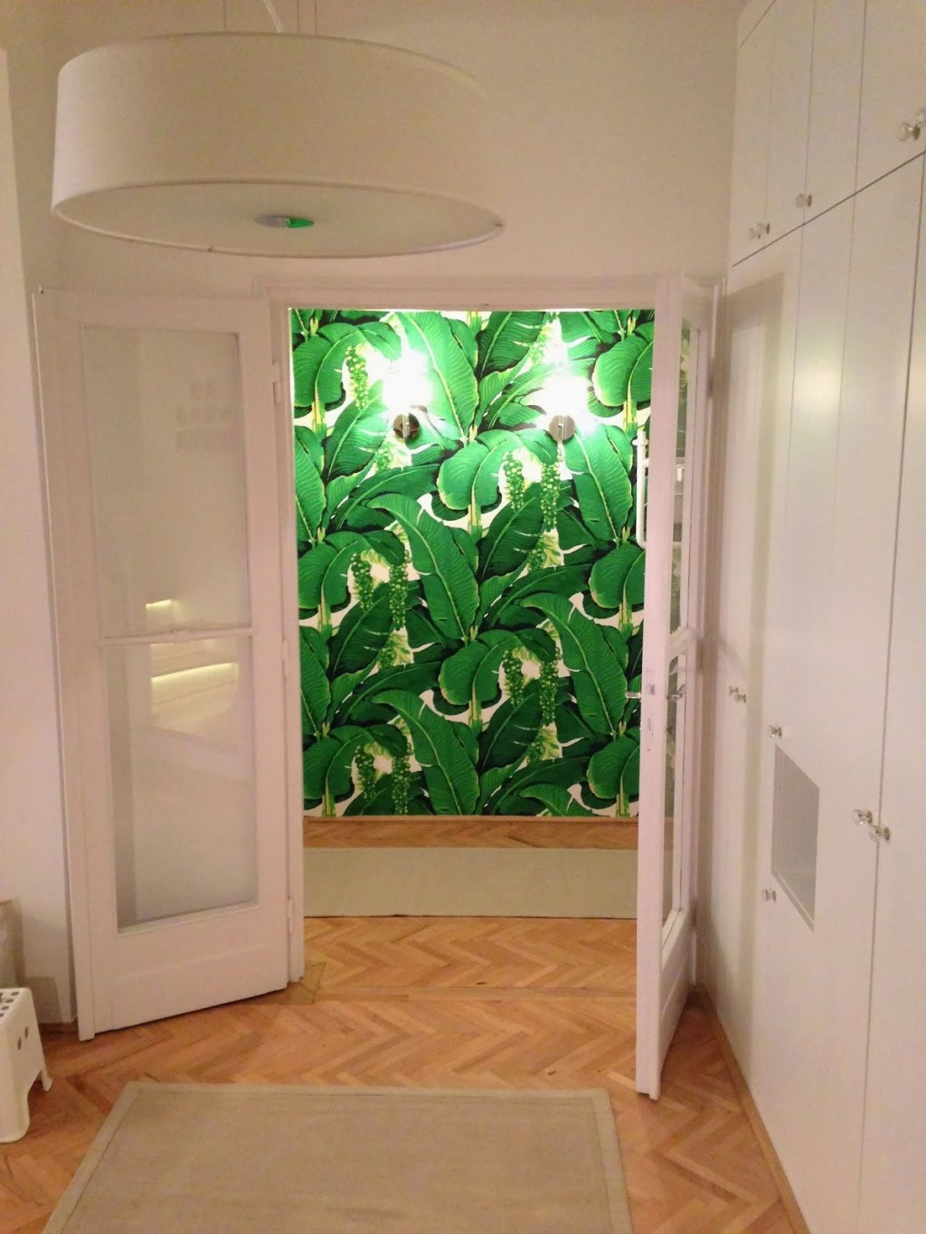 Banana leaf in lady gagas nyc apartment the glam pad banana leaf in lady gagas nyc apartment sciox Gallery