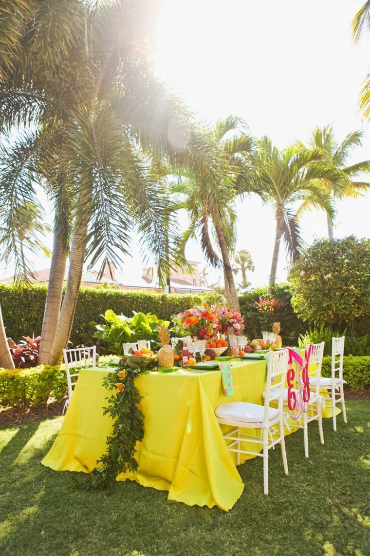 cb663fbdbeb726 ... Lilly Pulitzer wedding look full of sunshine and a little pink. The  recently renovated Colony Hotel in Palm Beach provides the perfect backdrop.