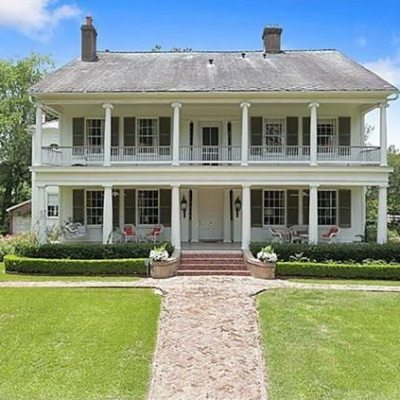 What will $899K Buy You in Natchez, Mississippi?