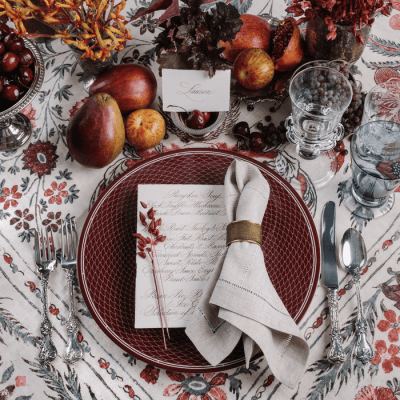 30 Thanksgiving Tablescapes + Inspiration