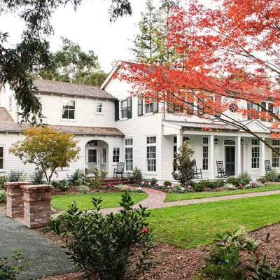 """A Traditional """"New Old Home"""" in California"""