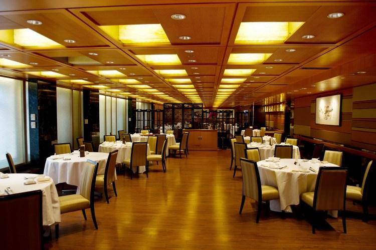 Fook Lam Moon (HK)_interior_1