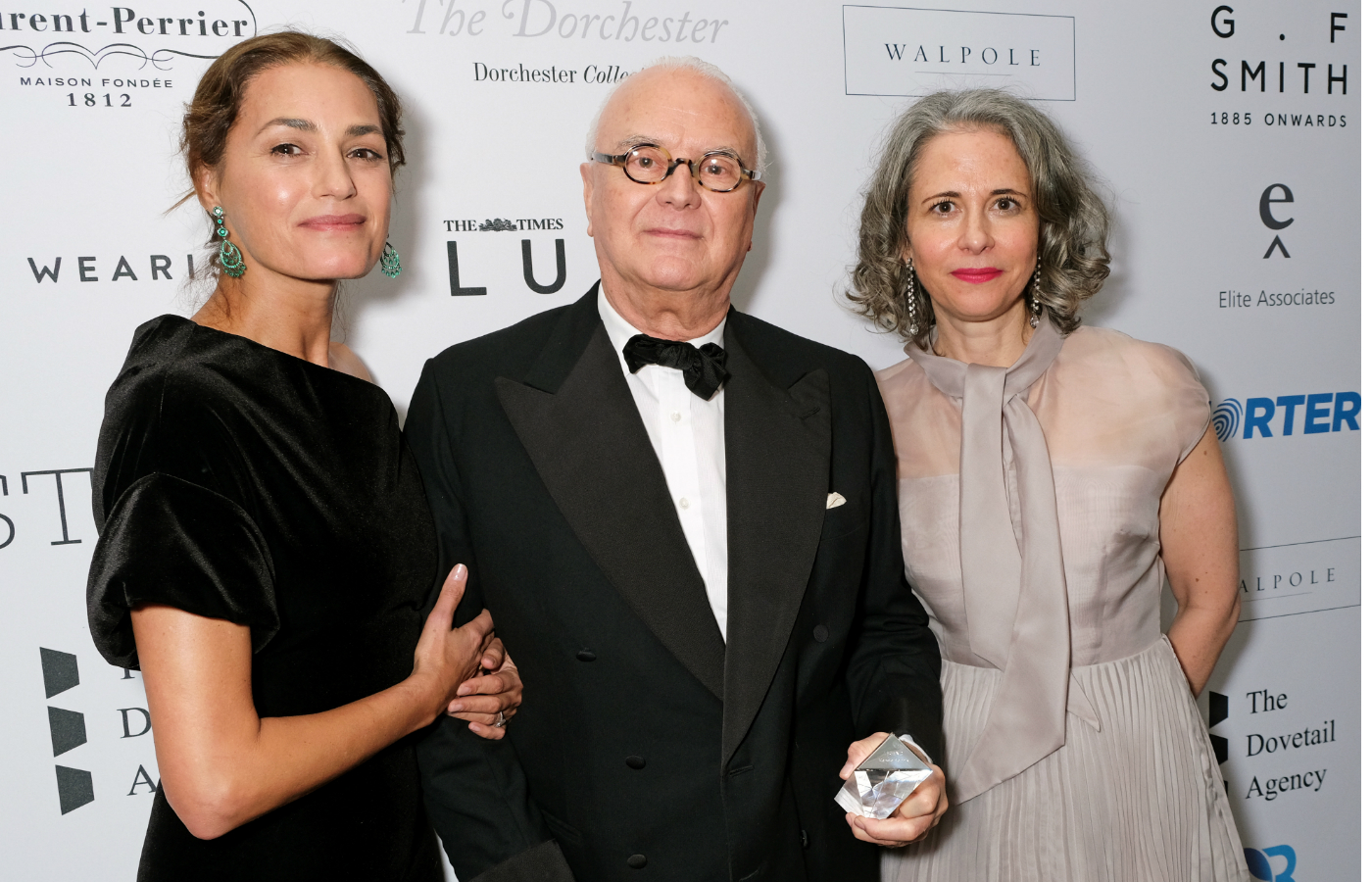 Manolo Blahnik receives luxury legend award images