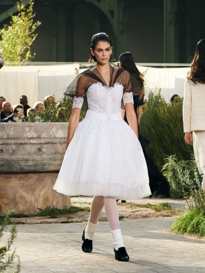 Resultado de imagen de WHITE TIGHTS WITH WHITE SOCKS AND LOAFERS CHANNEL RUNWAY
