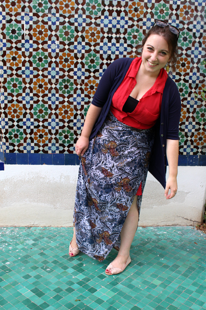 Wearing a sarong Grand Mosquee Paris