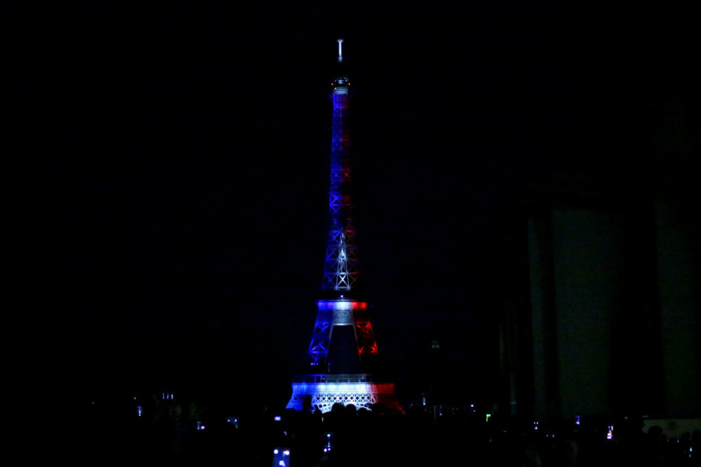 The Glittering Unknown Eiffel Tower bleu blanc rouge
