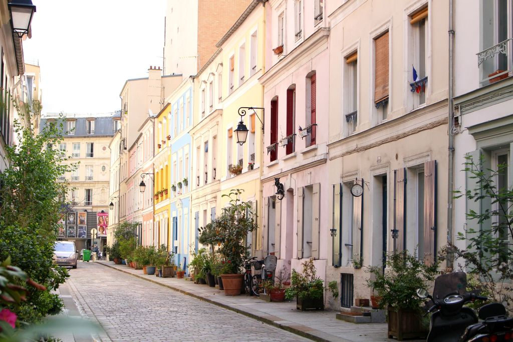 Rue Cremieux, Paris, The Glittering Unknown