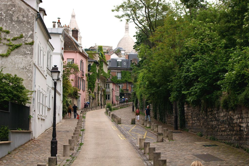 Rue de l'Abreuvoir, Montmartre, Paris, The Glittering Unknown