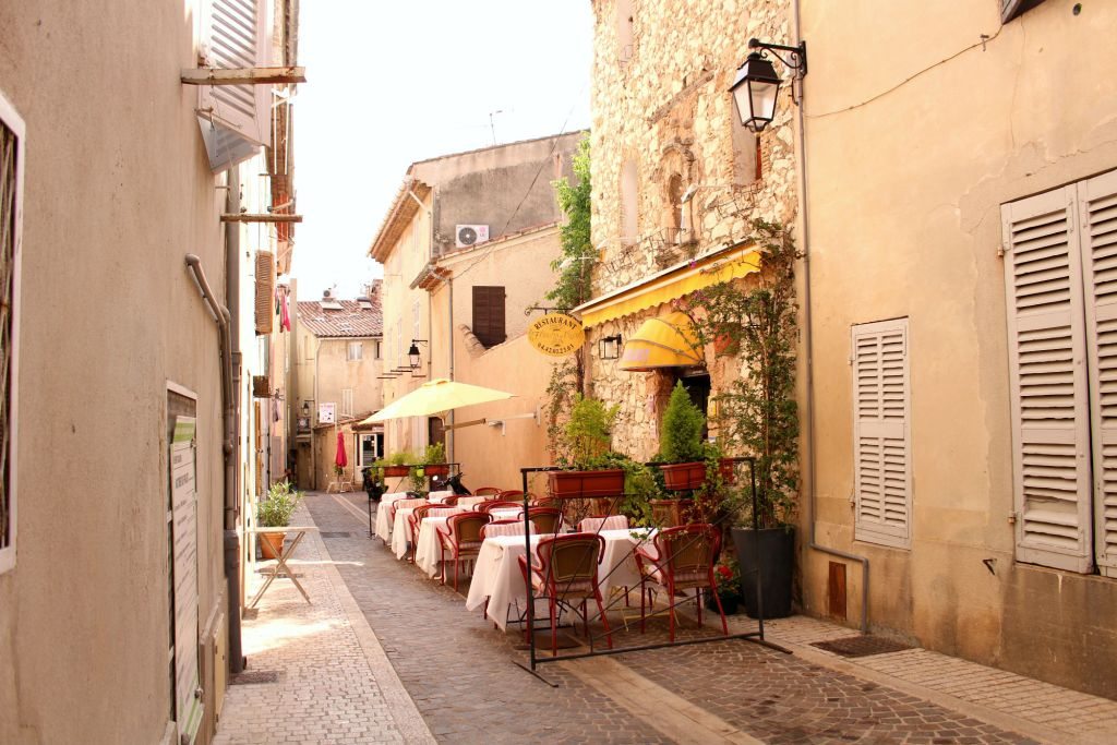 Cassis- 5 of the Prettiest Villages on the French Riviera