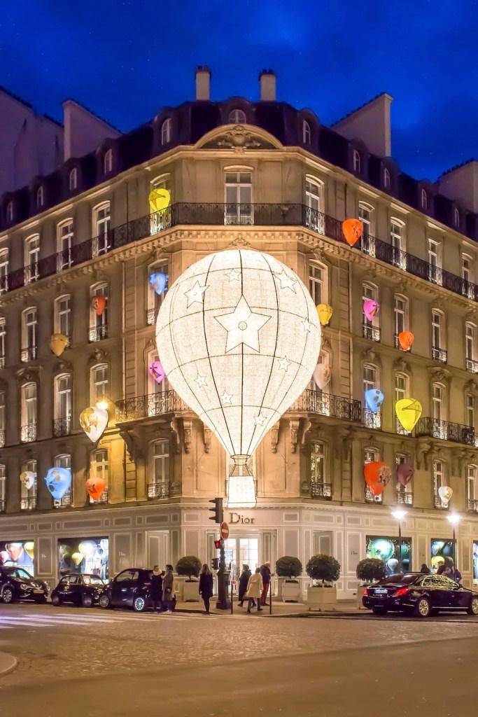 Christmas Decorations in Paris- Dior montgolfière (2017)