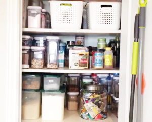 getting your pantry organzied for the holidays