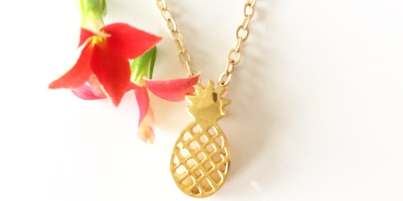 Memory jewelry, gold jewelry, necklaces, charms, accessories, bling, what to wear,