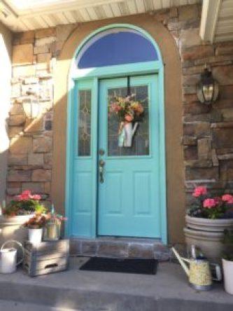 How to paint your front door, Sherwin willams, Wagner paint sprayer, blue door, pop of color, front door makeover, painted door, diy, diy gal, home painting, done in a day projects, upgrade your door,
