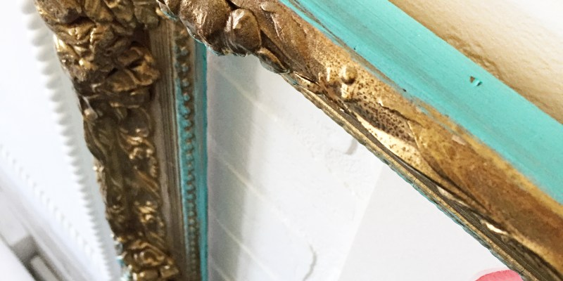 diy modern frames, how to give old frames a modern new look, boho picture frames, how to paint a gold leafed frame, modern picture frames, gallery wall frames, gallery walls, updating an ornate picture frame,