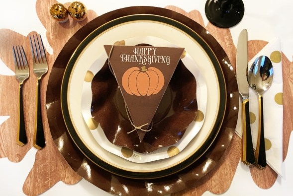 Thanksgiving table-settings, Table settings, Sophistiplate, ikea, the container store, target, free printable, thanksgiving printable