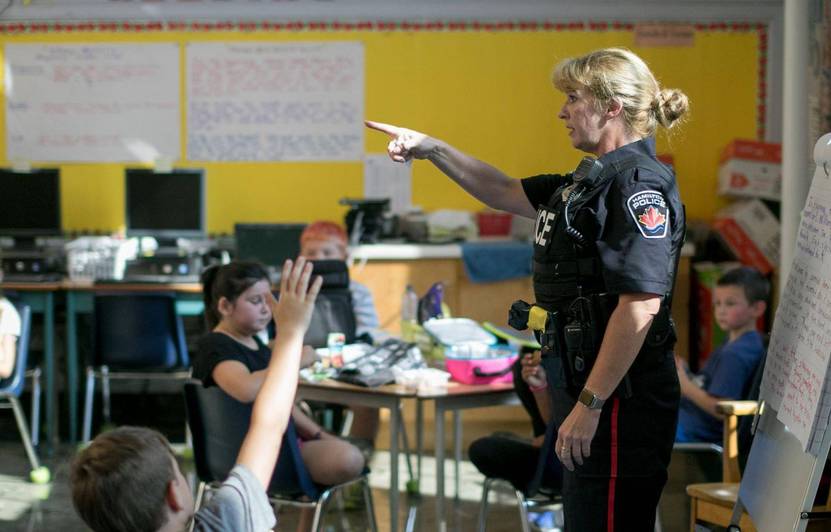 Students Benefit From Police In Schools Study Suggests