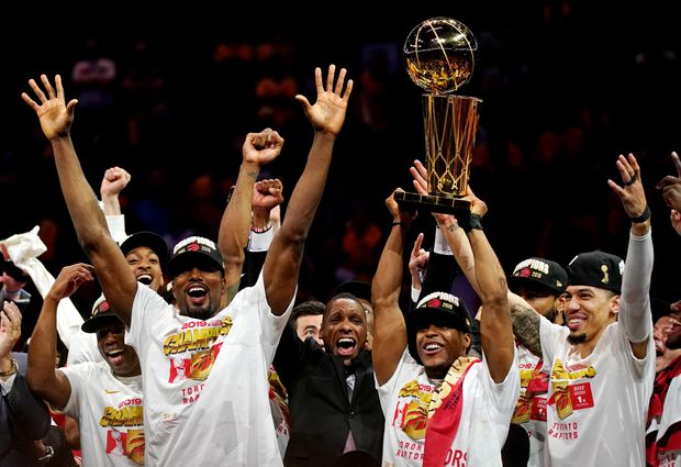 Jun 13 2019 Oakland Ca Usa The Toronto Raptors Celebrate With The Larry Obrien Trophy After Beating The Golden State Warriors In Game Six Of The 2019