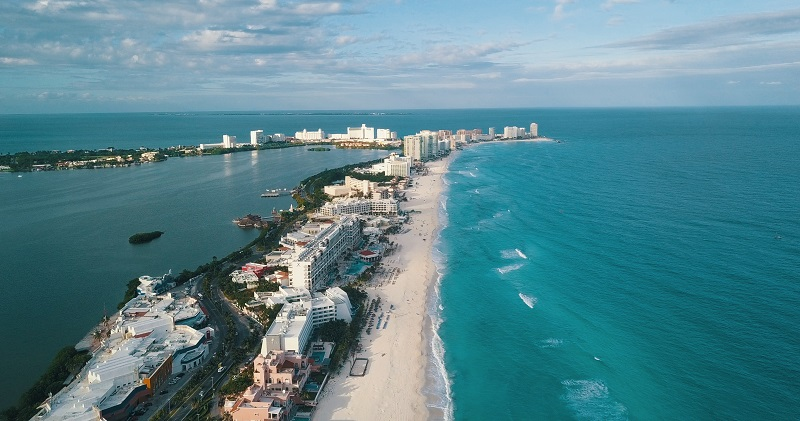 Gay Cancun: The Complete Gay Guide