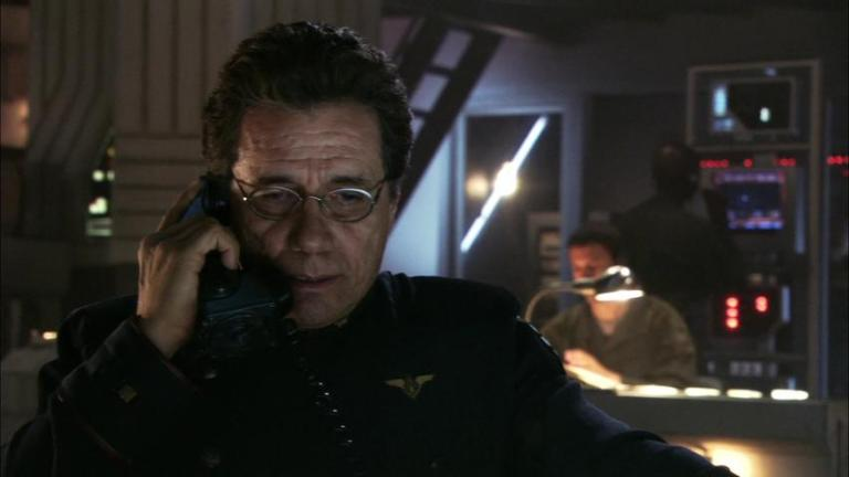 "Battlestar Galactica 1x08 ""Flesh and Bone"""